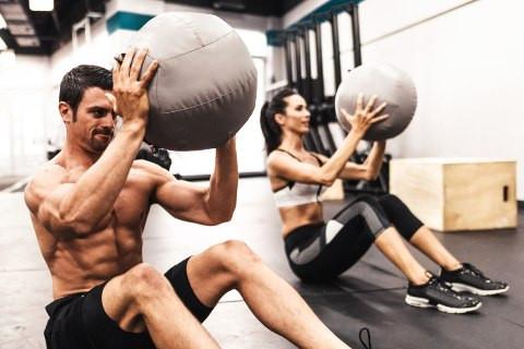 FA SPORT ACASA: 30 de minute de antrenament care vor arde toate caloriile