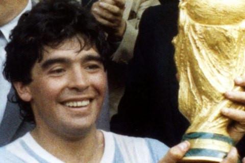 OMUL CARE PUTEA FACE ORICE: Diego Armando Maradona