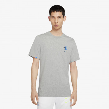 NIKE TRICOURI M NSW WORLDWIDE GLOBE SS TEE